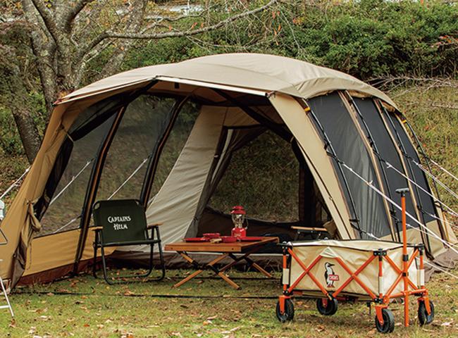 <p><b>CAMPAL JAPAN Ogawa×Orange<br /> 別注モデル アポロンTC<br /> </b> キャンパルジャパン オガワの大人気テントのアポロンをT/C (ポリコットン)にしたアウトドアショップ オレンジの別注テント。去年から今年はキャンプ界では大人気のT/Cで風合いが良く、焚き火や結露にも強い最強のテント。5人家族やグループキャン プには持ってこいなアイテム。18万5900円(Orange)</p>
