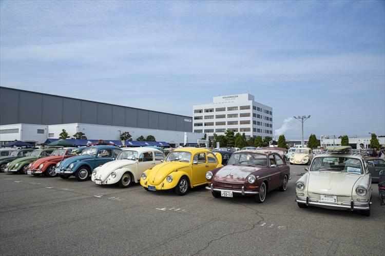 <p>愛知県豊橋市で2019年10月27日に開催された「13th Street VWs Jamboree」に集まった空冷フォルクスワーゲンの一部。塗装をきれいに塗り直している車も多いが、「あえてボロボロなまま」というスタイルを選択しているオーナーも。</p>