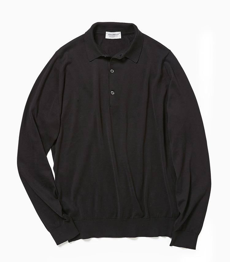 <p><strong>15.ジョン スメドレーの黒ニットポロ</strong><br /> スーツやジャケットに黒いアイテムを合わせるのが流行中。なかでも黒のニットポロは、襟付きできちんとした印象があるため、ノーネクタイのビジネススタイルにも◎。しかもコットン素材なので暖かくなってからも着回せる。2万9000円(ビームス 六本木ヒルズ)</p>