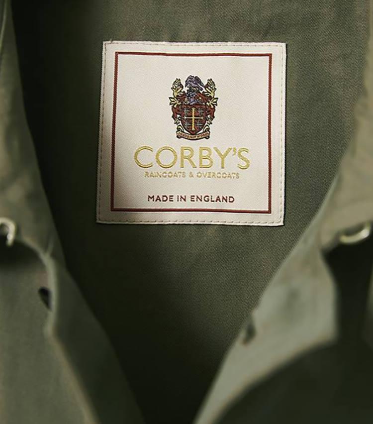 <p>昔ながらの製法とパターンを引き継ぐ英国国内の工場にて生産。</p>