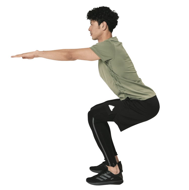 <p><strong>3.</strong>膝を曲げる時も背すじを伸ばしたまま、膝の位置がつま先よりも後ろになるようなフォームを心がける。連続10回/1セットを1日2~3セットを目安に実施。</p>