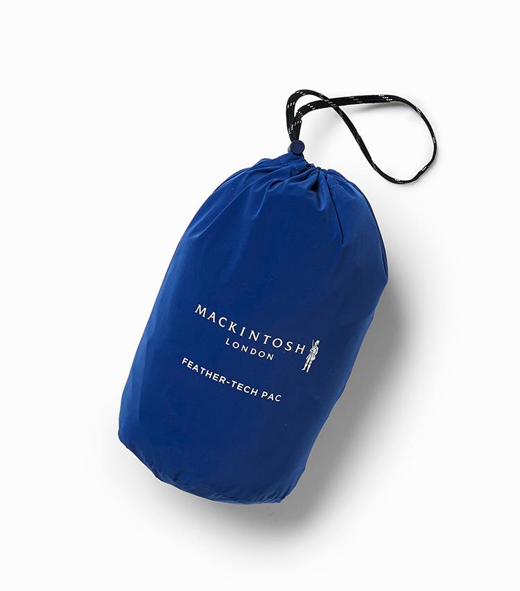 <p><strong></strong></br>付属のポーチに収納すれば、手のひらに収まるほどコンパクトに。鞄の中にしまって常に携帯しておけるほど気楽な使い勝手だ。</p>