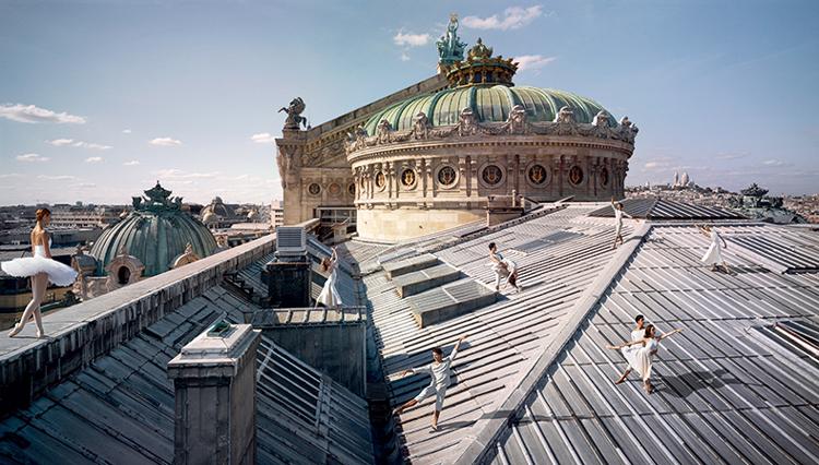 【シャネル】パリ・オペラ座バレエ団の美しい姿を捉えた写真展を開催