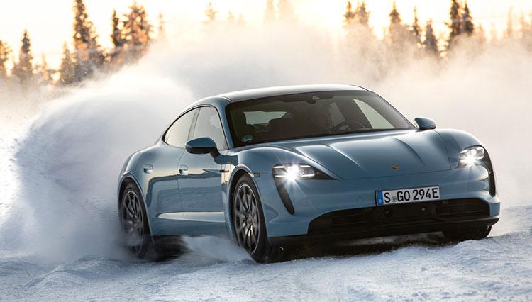 極寒の北極圏でポルシェ初の量産EV「タイカン」エントリーモデルに乗ってわかったこと