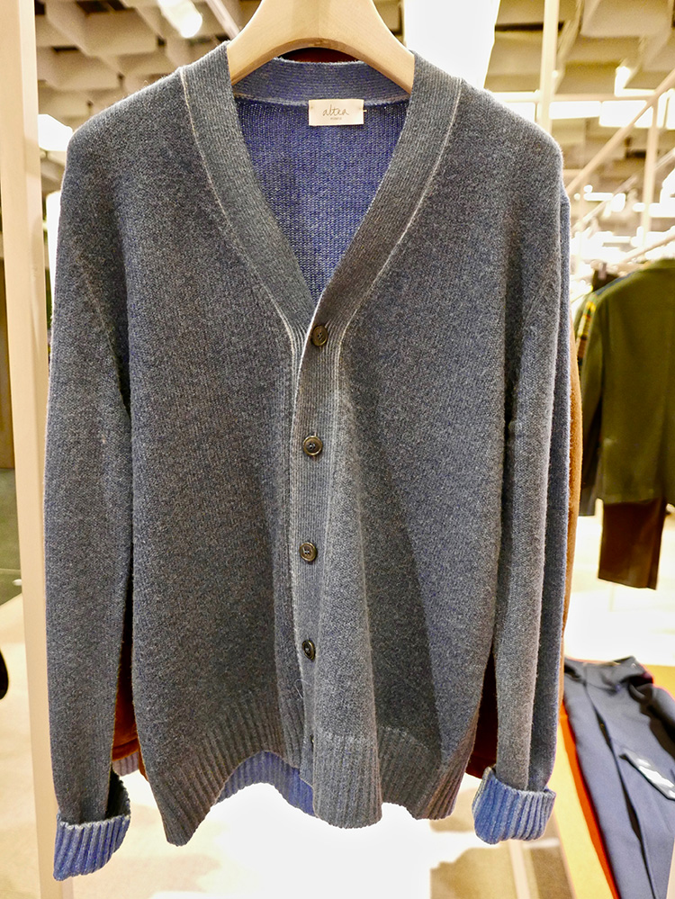 <p><strong>11.  Altea cashmere cardigan /アルテアのカシミアカーディガン</strong><br /> Altea makes some beautiful garments.  A cashmere, spray dyed cardigan in fjord blue is just what I need in my closet.  Luxurious, versatile and quietly unique.</p> <p><small>アルテアは美しい服を作ります。フィヨルドブルーにスプレー染めしたカシミアのカーディガンは、私が今まさにワードローブに加えたいアイテム。高級で、着回しがきき、さりげなく個性的です。</small></p>