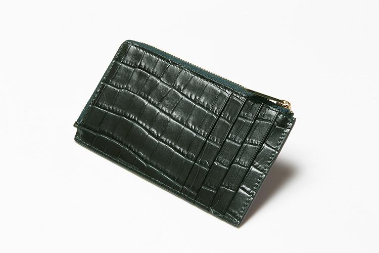 <p>(スマイソン/背面)</p> <p>背面にはカードポケットが4つ。</p>