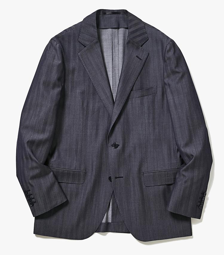 <p><strong>1.トゥモローランド ピルグリムのデニム風ジャケット</strong><br /> エルメネジルド ゼニア社の新しい生地「トラベラー デニム」を採用したアンコンジャケット。トラベラーシリーズといえばシワになりにくい生地で知られるが、こちらはウールをインディゴ染めした変わり種。カジュアルさもドレッシーさもあるスーツは、通勤服にもってこい。撥水加工も施されている。7万4000円(トゥモローランド)</p>