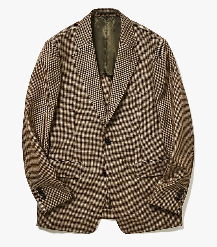 <p><strong>3.トゥモローランド ピルグリムのチェックジャケット</strong><br /> 清涼感のあるモヘアをブレンドした春夏向きのウールジャケット。ウールの糸は18世紀の英式紡績機でゆっくり紡いだもので、最新の紡績機では表現できないニュアンスを表現。クラシックな生地と今どきの仕立てとで、存在感のある一着になっている。5万7000円(トゥモローランド)  </p>