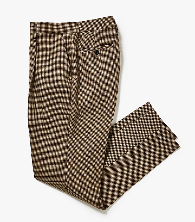 <p><strong>4.トゥモローランド ピルグリムのチェックスラックス</strong><br /> 3のジャケットとセット使いできるスラックス。深めの股上や自然なテーパードシルエットは、今年らしさを演出。体型問わず着用映えするシルエットでもある。2万6000円(トゥモローランド)  </p>