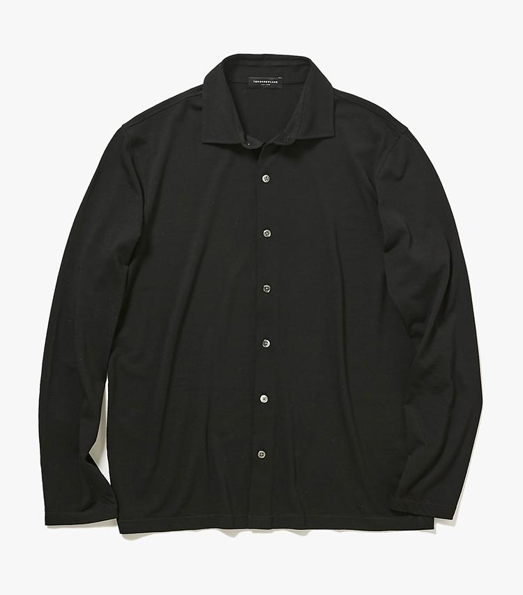 <p><strong>9.トゥモローランドのジャージーシャツ</strong><br /> ウールジャージーの柔らかいシャツは、ハイゲージのカーディガンのような上質感と襟付きならではのきちんと感を両立。今の時期なら、ポロシャツ感覚でスーツやジャケットの中に合わせるのがおすすめだ。2万4000円(トゥモローランド)  </p>