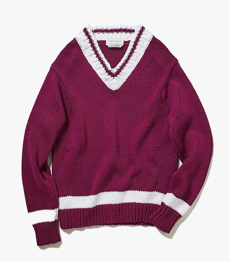 <p><strong>16.トゥモローランド トリコのチルデンニット</strong><br /> イタリアの綿糸で編んだローゲージニットは、発色がインポートの糸ならでは。Vネックの開きを浅めにし、着丈を短めにすることで、チルデンニットのスクールテイストを払拭し、大人に似合うバランスに仕上げている。4万2000円(トゥモローランド)  </p>