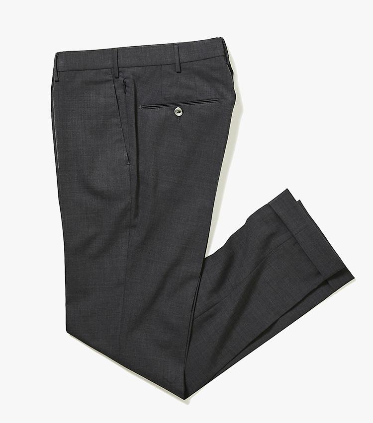 <p><strong>6.PTトリノのトラベルパンツ</strong><br /> イタリアの人気パンツブランド「PT01」が、今年「PTトリノ」に名称変更し、さらにモダンに進化。こちらのスーパースリムパンツは、5のジャケットと同素材を採用。セット使いも可能だ。3万8000円(バーニーズ ニューヨーク カスタマーセンター︎)</p>