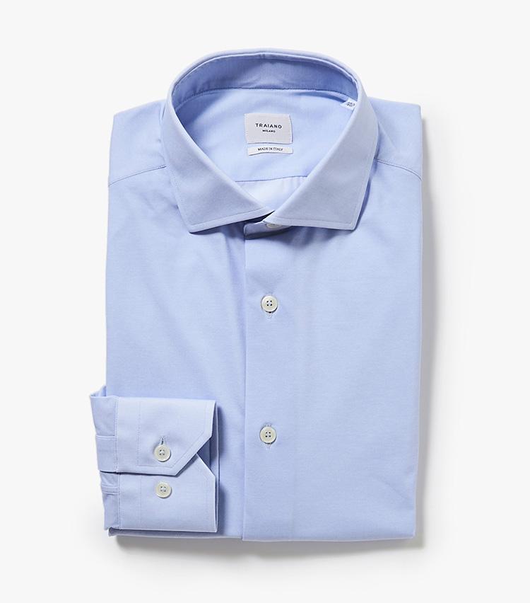 <p><strong>9.トライアーノのブルーシャツ</strong><br /> 8のシャツと同じく、スポーツウェア由来のハイテクシャツ。天然素材不使用でプリントながら、見た目はまるでオックスフォード生地のようなきちんと感があり、シワになりにくく速乾性もあるため、出張先でも重宝しそう。2万7000円(バーニーズ ニューヨーク カスタマーセンター︎)</p>