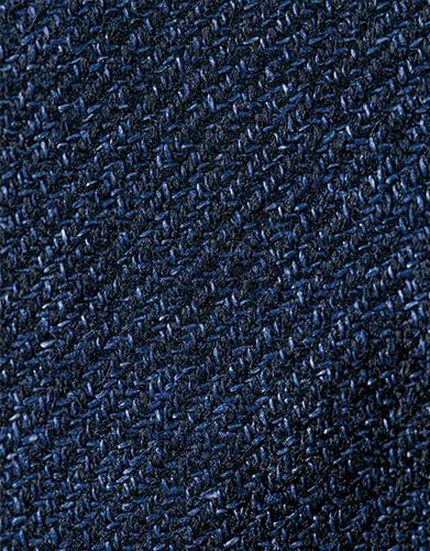 モダンなナポリスタイルとメランジ感ある紺がマッチ