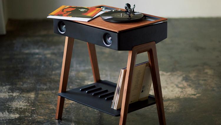 まるでアンティーク家具のような一台完結型スマートスピーカー