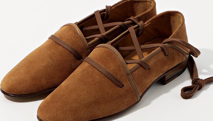 靴職人・深谷秀隆氏にトゥモローランドが別注したエスパドリーユ【ひと言ニュース】