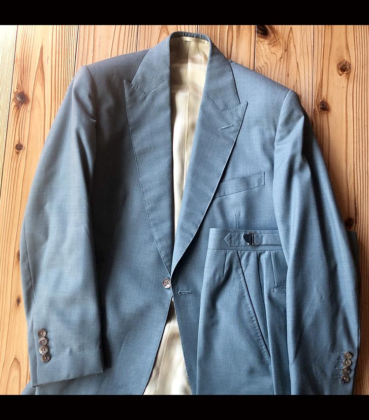 <p><strong>ビームス ハウス 梅田 梶谷健太さんの愛用品<br /> FALLAN & HARVEY スーツ</strong><br /> 2017年の4月15日の自身の結婚式で着たスーツ。思い出深いアイテムです。<br /> <a href=