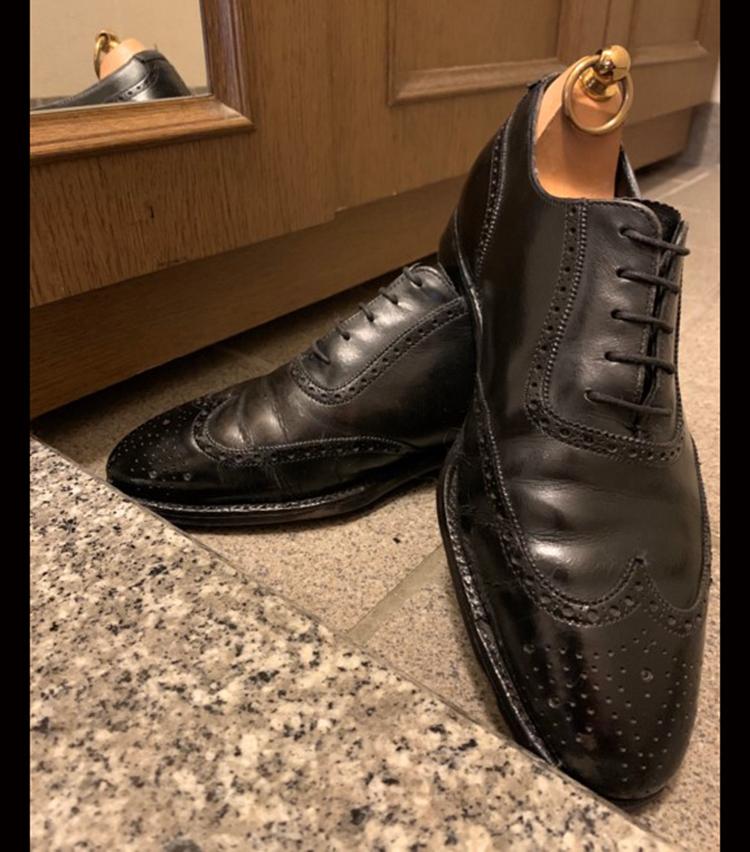 <p><strong>ビームス ハウス 神戸 松原 充さんの愛用品<br /> GEORGE CLEVERLEY フルブローグシューズ</strong><br /> 入社一年目に大先輩から頂いたシューズ。新卒採用でカジュアル希望入社ということもあり、当時は革靴を全く持っていなかった自分。この靴をきっかけにクロージングにどっぷりはまり、洋服が更に好きになった思い出深いシューズです。<br /> <a href=