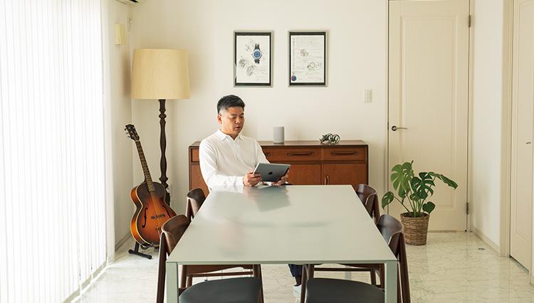 【仕事部屋拝見】自宅のLDKで仕事もプライベートもこなすコツは?