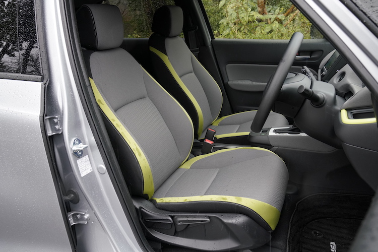 <p>フロントシートには骨盤から腰椎までを樹脂製マットで支えるボディスタビライジングシートを、ホンダとして初めて採用した。</p>
