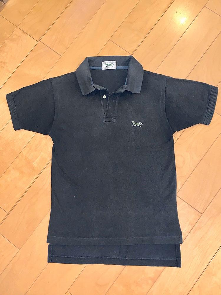 <p>後ろ身頃が長めの「ドロップテール」は、アメリカのポロシャツに多いディテール。</p>