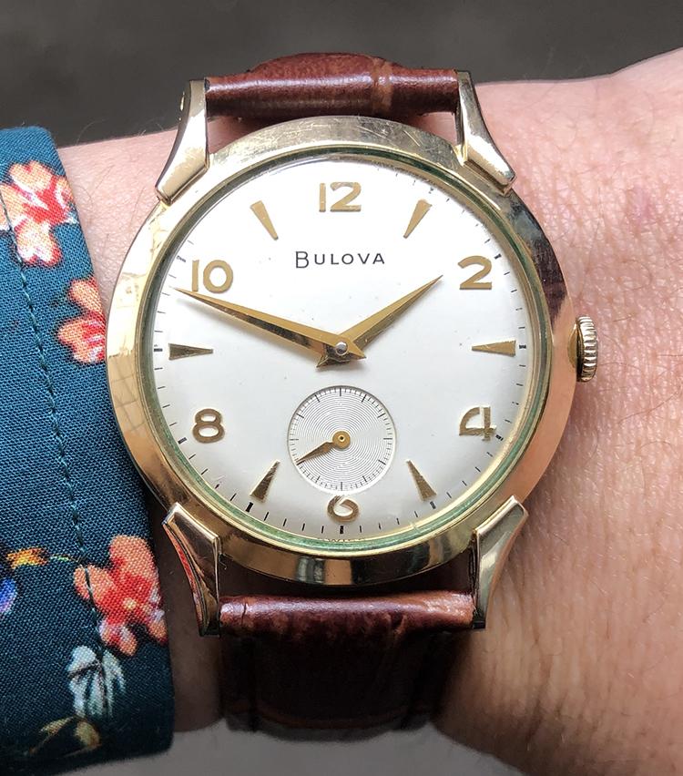 <p><strong>ビームス ハウス 丸の内 森岡奎太さんの愛用時計<br /> ブローヴァ/1950年代SENATOR</strong></p>