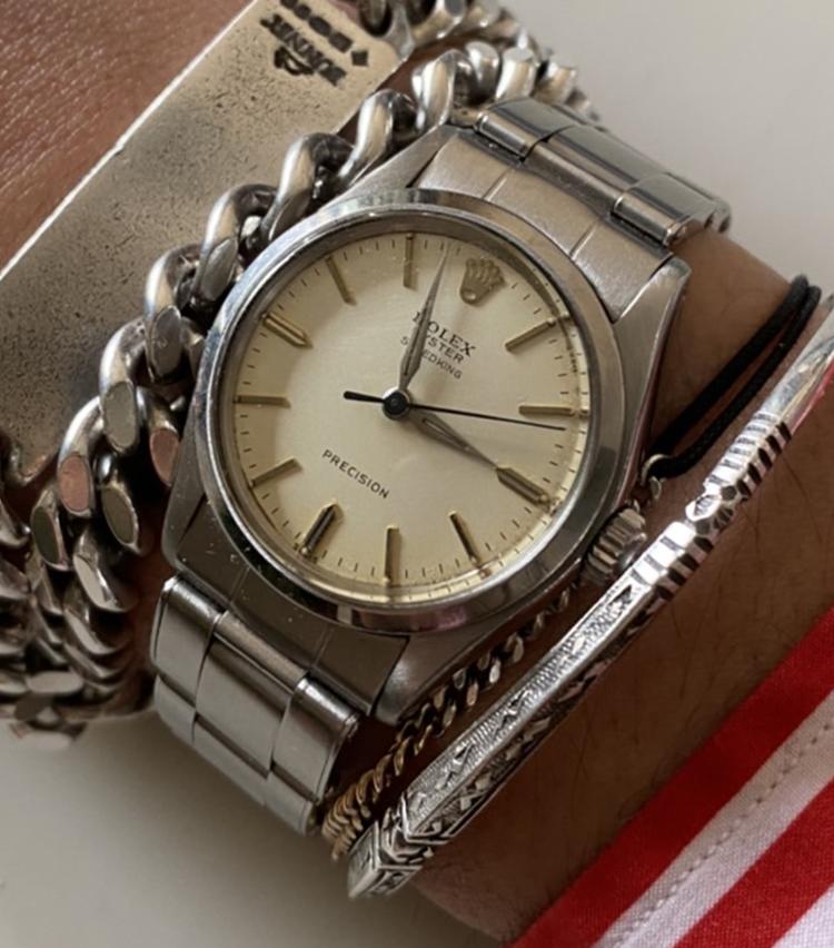 <p><strong>トゥモローランド メンズバイヤー 神谷真太郎さんの愛用時計<br /> ロレックス/1960年代 Oyster Speedking 手巻き</strong></p>