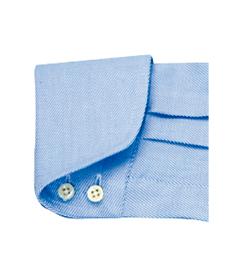 <p><strong>【ミラノカフ】</strong><br /> 袖口が折り返されていることから「ターンナップカフ」ともいう。</p>