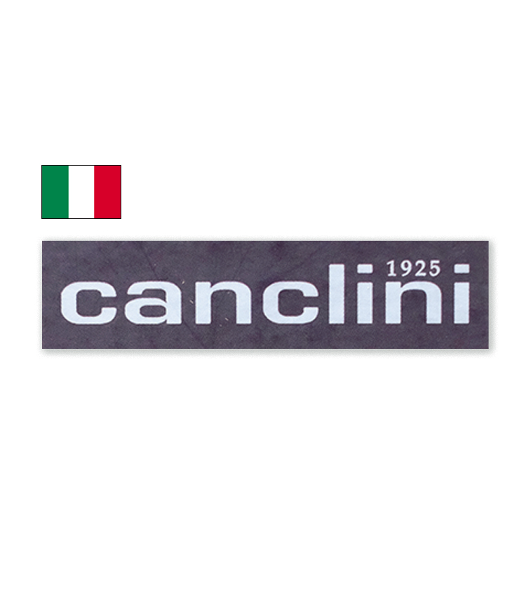 <p><strong>CANCLINI / カンクリーニ</strong><br /> 1925年創業。様々なラグジュアリーブランドに生地を提供していることで知られる。イタリアらしいしなやかな肌触りと、時代性を加味した色柄のラインナップが魅力。</p>