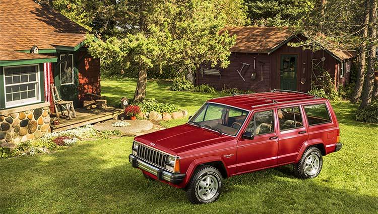 【SUVの名車を語る】Vol.01 コンパクトSUVの元祖「ジープ チェロキー」