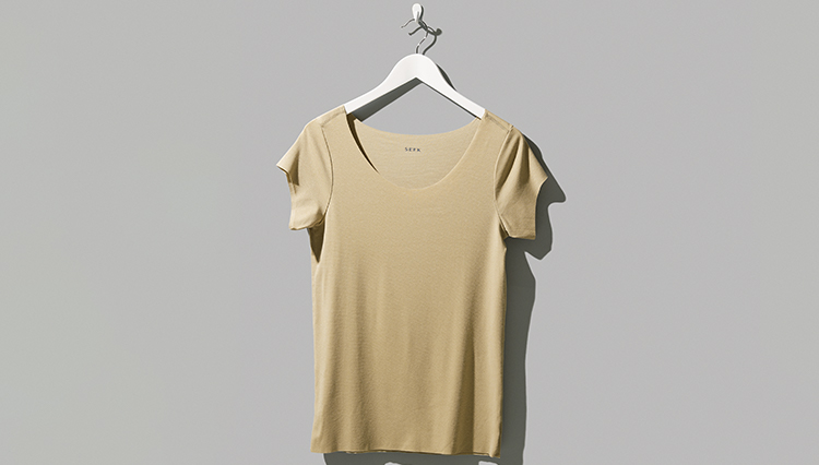 """夏の""""脇汗おじさん""""にならないTシャツ下の「もう一枚」とは?"""