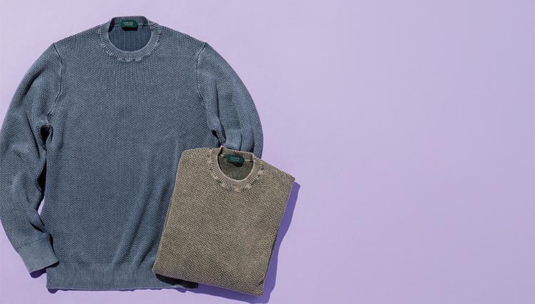 大人が一枚で着ても絵になる「クルーネックニット」はどんなタイプが正解?