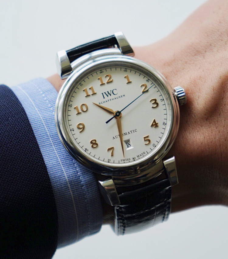 <p><strong>SHIPS MENS PRESS 河野建徳さんの愛用時計<br /> IWC /ダ・ヴィンチ・オートマティック</strong></p>