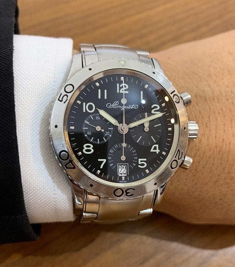 <p><strong>バーニーズ ニューヨーク アウトレット店統括部 西地慶太さんの愛用時計<br />ブレゲ/タイプXX トランスアトランティック</strong></p>
