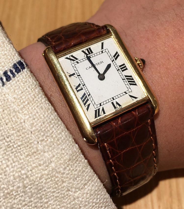 <p><strong>ストラスブルゴ メンズアシスタントバイヤー 佐野達彦さんの愛用時計<br /> カルティエ/タンク ルイ カルティエ</strong></p>