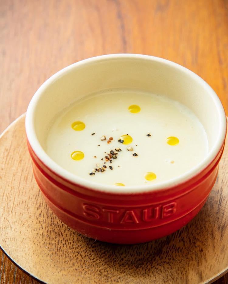 <p>パースニップと新じゃがいものスープ</p>