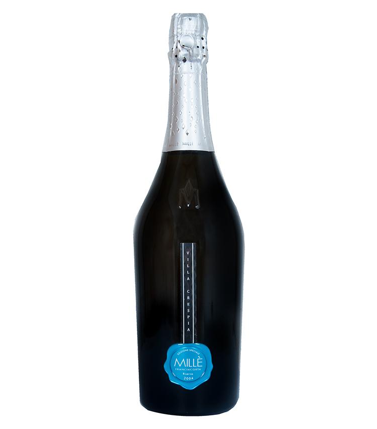 """<p><strong>ヴィッラ・クレスピアフランチャコルタリゼルヴァミッレジマート""""ミッレ"""" ブリュット</strong><br /> 化学物質を徹底的に取り除いた自然なブドウ作りはもちろん、酸化防止剤を使用しない初のフランチャコルタ""""シンビオティコ""""をリリースするなど、現在最も注目されているモダン・ワイナリーの一つ、ヴィッラ・クレスビア(1999年設立)。その中で14年以上の熟成を経たリゼルヴァミッレジマート""""ミッレ"""" ブリュットは、生産数わずか1123本と、大変希少なアイテム。熟したリンゴや柑橘類の凝縮したアロマが特徴の本品は、刺身、カルパッチョやサラダなどのさっぱりしたお料理と抜群に合う。<br /> <a class="""