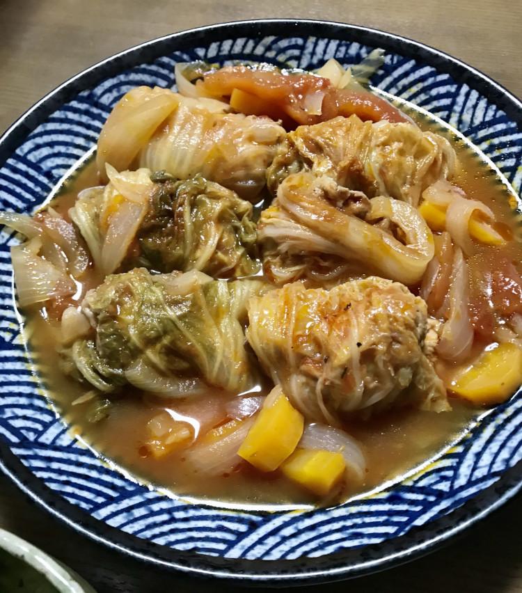 <p>7. お皿に盛り付け、最後にパセリをちらして完成。白菜もトロトロになってとっても美味! 白ワインにも好相性、ご飯のお供にも、またバゲットを浸しながらいただくのもオススメだ。ちなみにスープにじゃがいもを加えると、もう少しとろみがついてシチューのような感じになる。</p>