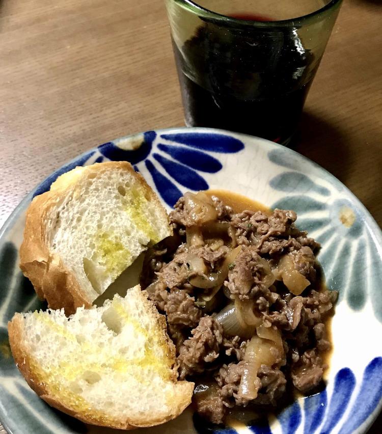 <p>7.完成! 皿に盛ったらパセリを散らして。ガーリックトーストを添えて、赤ワインと共に食すと美味!</p>
