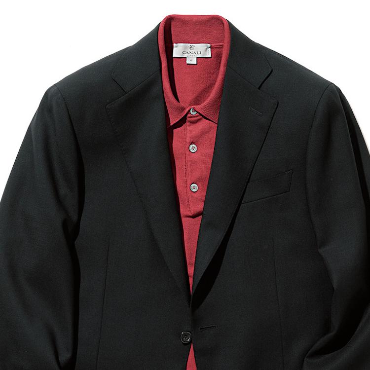 <p><strong>10位<br /> 「おじさんぽく見えないビジカジ」のコツは?【1分で出来るスーツのお洒落】</strong><br /> ネクタイを外したビジカジの装いになると、なぜか急におじさんっぽくなってしまう。もしそうならば、手持ちの紺のジャケットの中に、思い切って華やかな色のポロシャツを挿して欲しい。例えばこちらのワインレッドのポロシャツ。ポロシャツだけでみると派手で仕事に着るには一見難しく感じるが、紺のジャケットを羽織るだけで十分ビジカジでの装いが可能に。そして、ただネクタイを外しただけの地味なビジカジにならず、華やかさのあるお洒落な印象に仕上がるのだ。<br /> <small>(2020年6,7月号掲載)</small></p>