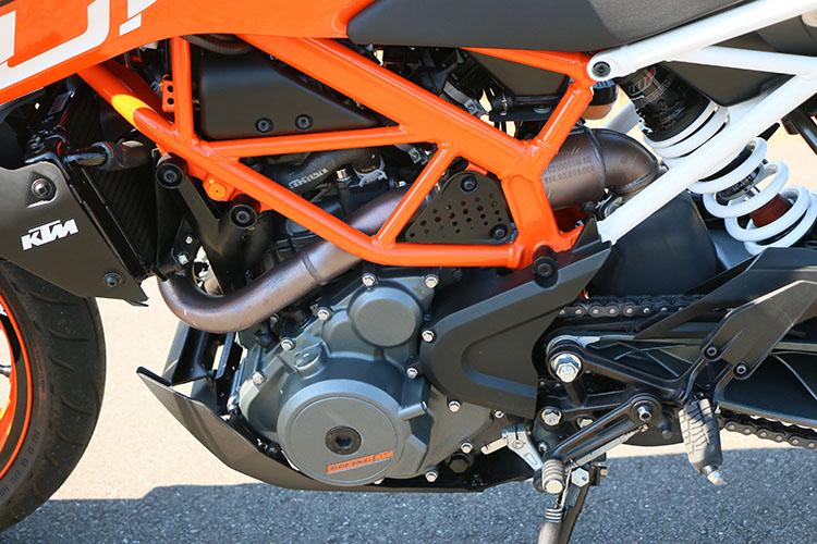 <p>スリムな単気筒エンジンだが、KTMらしくハイパワー</p>