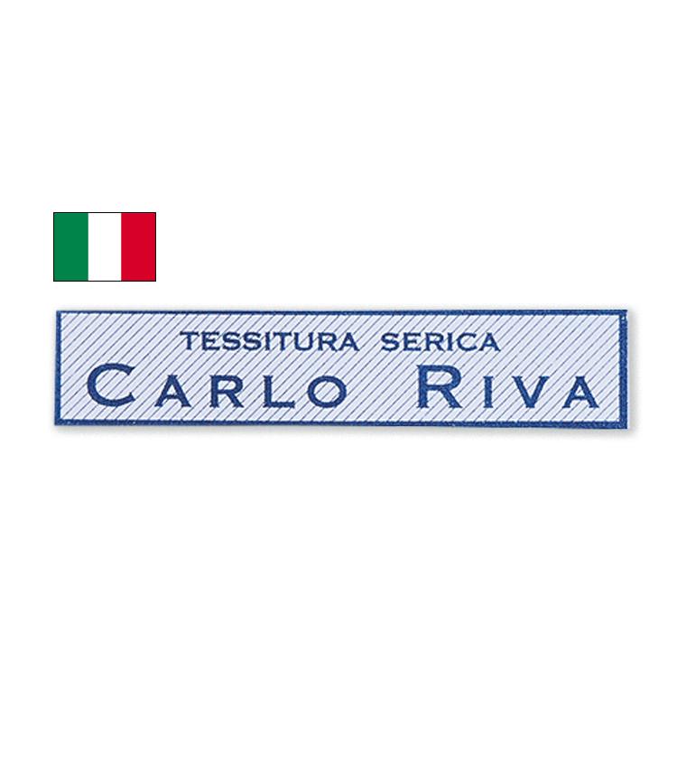 """<p><strong>CARLO RIVA / カルロリーバ</strong><br /> 1945年創業。イタリア・コモ湖のほとりに拠点を構え、旧式のシャトル織機を用いた伝統的シャツ生地作りを貫く。""""シャツ生地の宝石""""と称される名門中の名門。</p>"""
