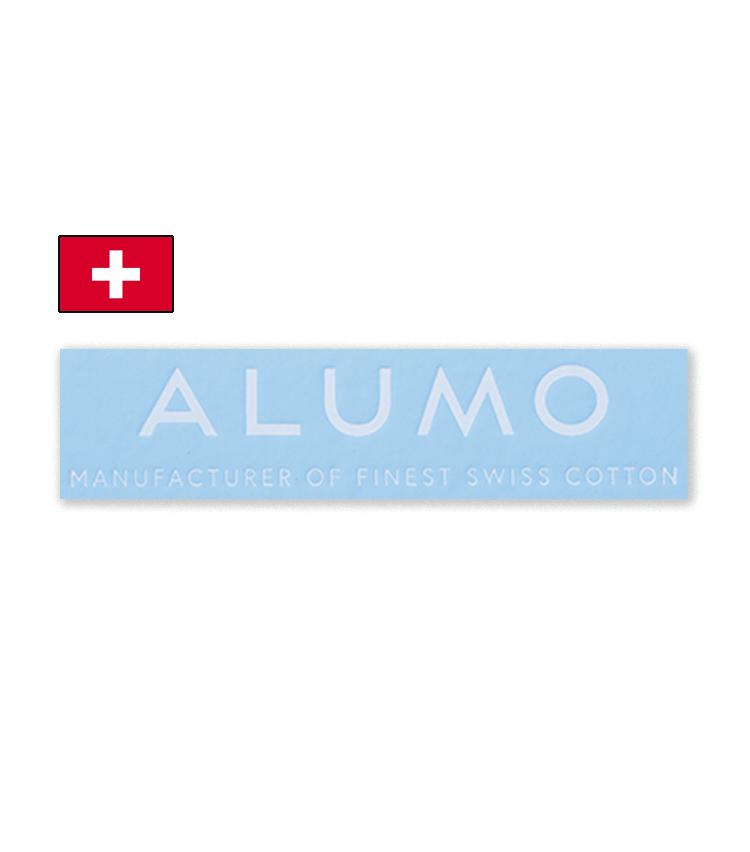 <p><strong>ALUMO / アルモ</strong><br /> 1918年創業。アルプスの奇跡とも称される高級生地メーカーで、高番手のコットンで有名。一流ブランドからの信頼も厚く、クラシック好きに愛好されている。</p>