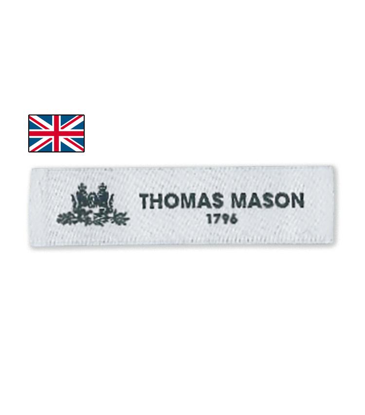 <p><strong>THOMAS MASON / トーマス メイソン</strong><br /> 1796年創業。こちらも現在はアルビニグループの一員となっている。英国らしい双糸使いによるコットンを中核としつつ、イージーケア性を備えた「ジャーニー」シリーズも展開。</p>