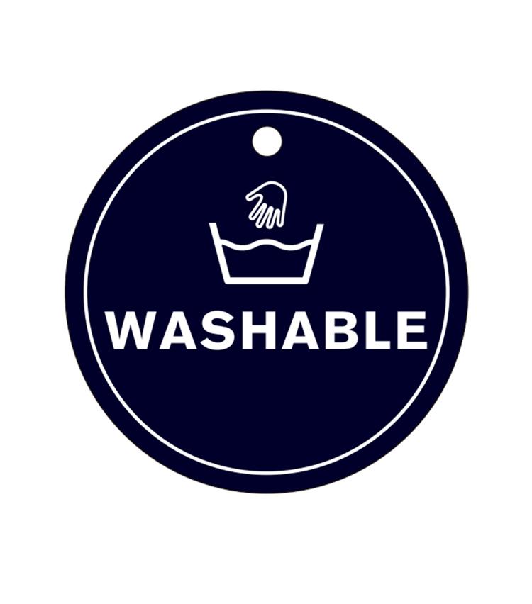 """<p><strong>細部に宿る""""凄み""""</strong><br /> 家庭での手洗い可能なのも、これからの季節に嬉しいポイントだ。</p>"""