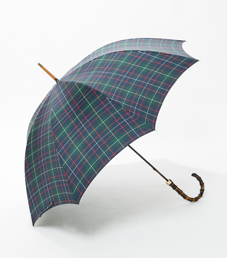 <p><strong>「フォックス・アンブレラ」傘の横顔</strong><br /> 同社ならではの、曲線美が他者の傘にグッと差をつける。</p>