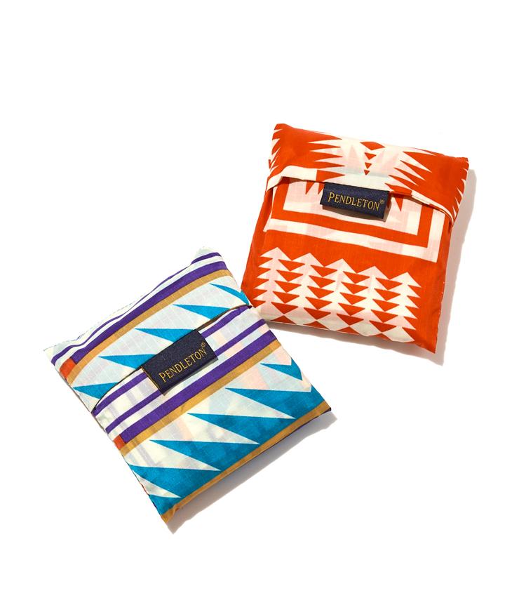 <p><strong>ペンドルトン×バグゥのお買い物前はこちら</strong><br /> 軽量なナイロン製のバッグなので、畳めばこんなにコンパクトに。</p>