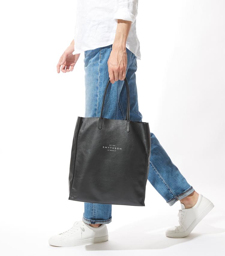 <p><strong> スマイソンのお買い物後はこちら</strong><br /> これはエコバッグなの!? とついツッコミたくなるほど、上品なデザインだ。</p>