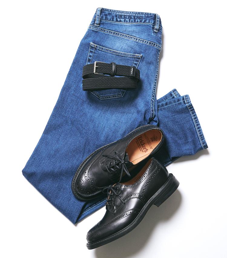 <p><strong>カントリーシューズ×エラスティックベルト</strong><br /> こちらは靴のボリューム感に対してベルトが軽い印象。パンツ次第でハズシとして機能するかもしれないが、かなり気をつけないとチグハグに見えてしまいそうだ。</p>