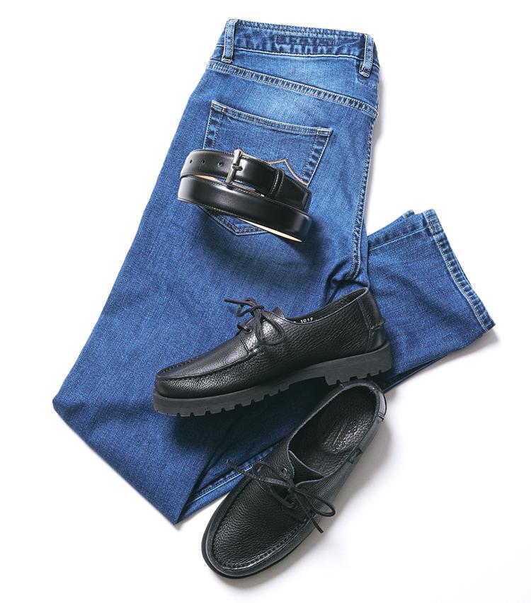<p><strong>デッキシューズ×スムースレザーベルト</strong><br /> ベルト×靴の相性としては微妙なところで、ベルトがフォーマルすぎる印象。避けたほうがよさそうな組み合わせだ。</p>